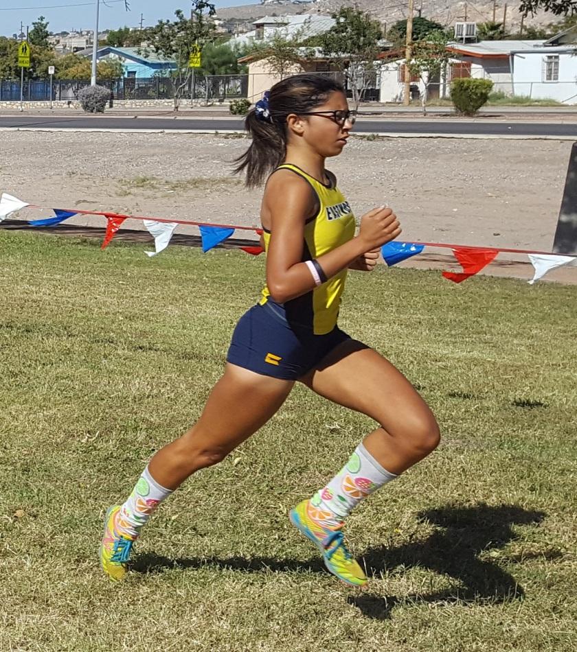Lauren Walls-Portillo leading pack